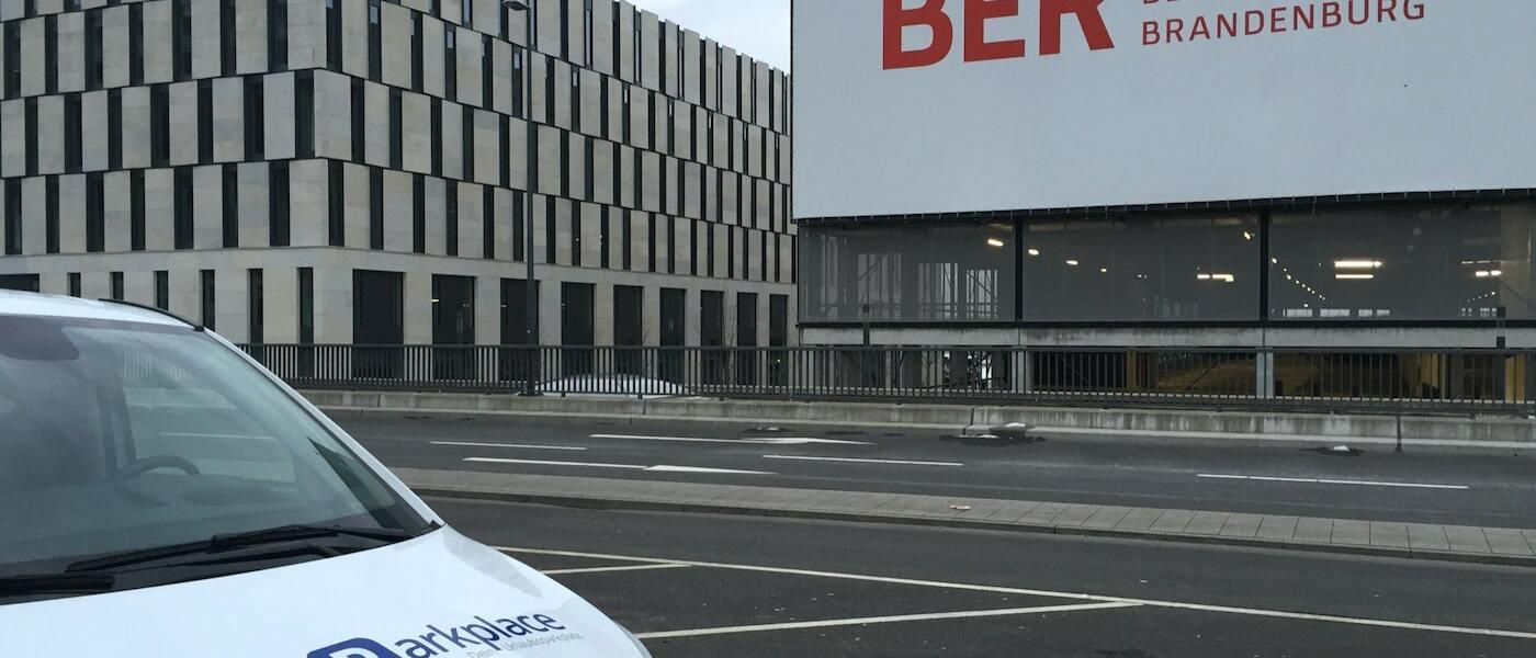 Preiswert am Flughafen Tegel & BER parken